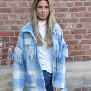 fringe jas pastel blauw